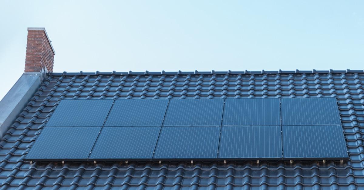 All black panelen op dak
